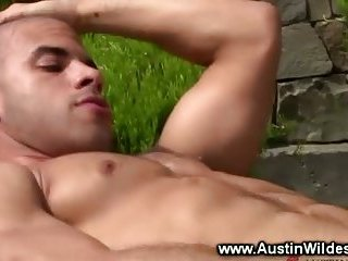 Outdoor wank for gay jock in his solo scene on quad